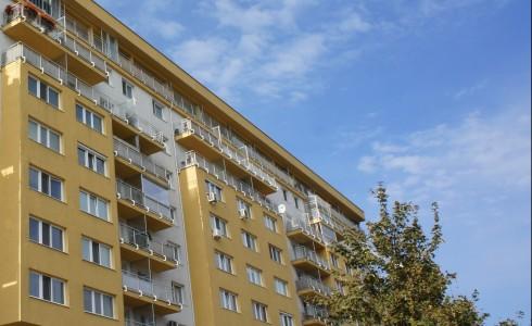 Na predaj veľký 2 izbový byt na Budatínskej ulici v Petržalke – Bratislava