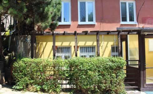 Na predaj 3 izbový byt s predzáhradkou v tichej lokalite na Šulekovej ulici v Starom Meste – Bratislava