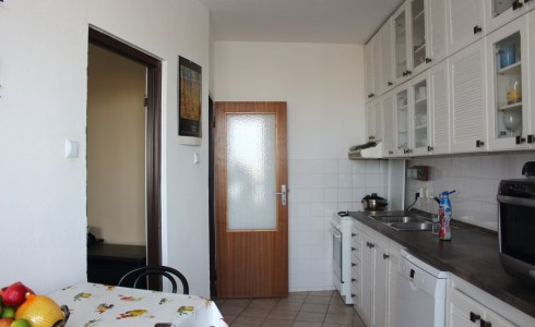 Na predaj 4 izbový byt na Hlaváčíkovej ulici na Dlhých dieloch, Karlova Ves – Bratislava