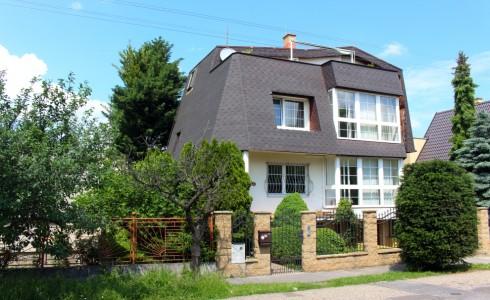 Na predaj trojposchodový rodinný dom v Prievoze – Ružinov, Bratislava