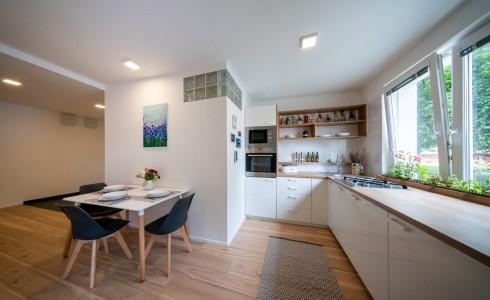 Na predaj kompletne zrekonštruovaný 3-izbový byt na Vilovej ulici v Petržalke – Bratislava