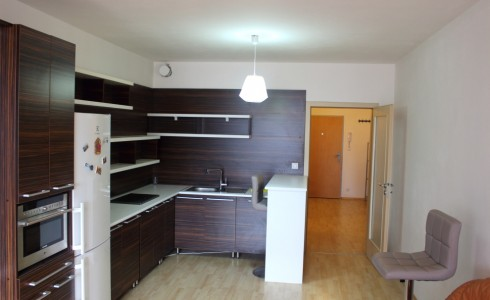 Na prenájom 2 izbový byt s parkovacím státím v komplexe Jégého alej, Ružinov – Bratislava