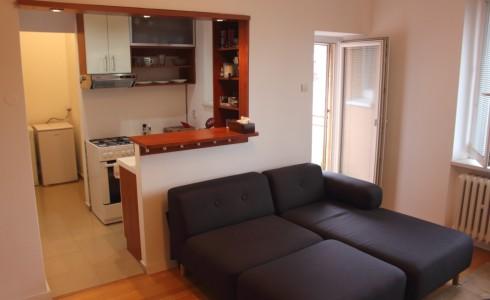 Na prenájom tichý 1 izbový byt s lodžiou na Račianskej ulici v Novom Meste – Bratislava