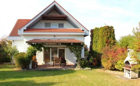 Ponúkame na predaj 5 izbový rodinný dom s veľkým pozemkom v obľúbenej časti Bratislava – Vajnory